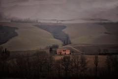 senza titolo (Enzo Ghignoni) Tags: nebbia casa alberi colline