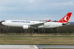 TC-JNA (PlanePixNase) Tags: aircraft airport planespotting haj eddv hannover langenhagen airbus 330 330200 a332