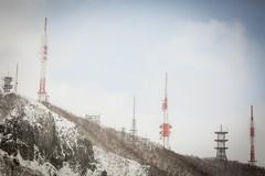 Teine Antennas (Jonathan Teapot) Tags: canon5dmkiii canon70200f4l f4lcanon40mmf28stm hokkaido teine kokusai hirafu annupuri japan splitboard altus gooseberry