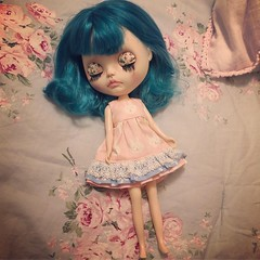 Merry Christmas! I got a new girl for Christmas 🎄 I've named her Razzle 💙 (clarkenvironmental) Tags: dolls bluehair ooak blythe special christmas