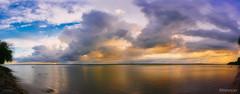 Saint-Pierre-les-Becquets, l'été dernier (guysamsonphoto) Tags: guysamson centreduquébec rivière fleuve rivièreduquébec fleuvesaintlaurent coucherdesoleil sunset clous nuages