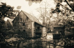 Brünings Mühle... (D.Purkhart) Tags: gütersloh brüningsmühle bw schwarzweis deutschland analog analogphoto ae1 canon