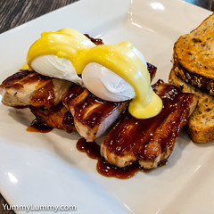 Poached eggs with Hollandaise on barbecue sauce pork belly with a potato rosti (garydlum) Tags: eggs hollandaisesauce poachedeggs pork porkbelly potatorosti brisbane queensland australia au