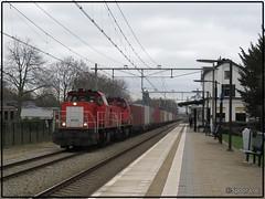 DBC 6435 + 6431 + Acht Shuttle    Oisterwijk (Spoor Loc) Tags: spoor loc trein train dbc 6435 6431 oisterwijk railways railway station cargo