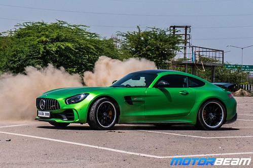 Mercedes-AMG-GT-R-38