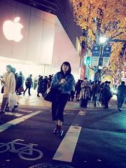 Night snap! (takana1964) Tags: streetphotography snap streetsnap street snapshot streetshot citysnap citystreet city cityphotography blackandwhite monochrome osakacity japan olympus