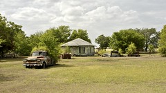 The Party's Over. Moshiem,Texas. (Rob Sneed) Tags: usa texas moshiem fm 217 fm217 fm215 bosquecounty rural abandoned chevypickup rust decay unincorporatedcommunity smalltown centralnorthtexas house home truck roadtrip tractor barrell vintage