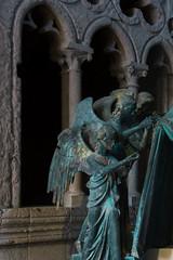 IMG_2105 (vin.ricciardelli) Tags: cattedrale cathedral orvieto statue