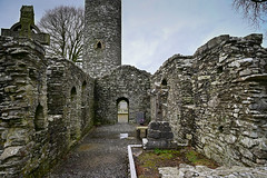 Mainistir Bhuithe Monasterboice - Monastery of Buithe - County Louth Ireland (mbell1975) Tags: drogheda countylouth ireland ie mainistir bhuithe monasterboice monastery buithe county louth éire eire airlann poblacht na héireann irland irlanda irlande irish klosterruine labbaye de abbey cloister ruin ruins ancient monument national cross crosses cemetery tombs graveyard graves grave roundtower round tower turm
