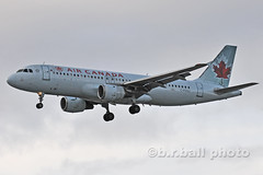 BRB_6280cesn c (b.r.ball) Tags: brball aviation yyz airplane torontopearsoninternationalairport malton cfdsu airbus a320211 aircanada ac268