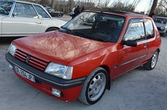 Peugeot 205 XS (benoits15) Tags: peugeot 205 xs red french car gti nimes auto retro