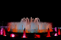 The Magic Fountain Of Montjuic (Fnikos) Tags: plaça plaza parc park parco montjuic montjuïc fountain fontaine fuente fontana city architecture design diseño sky cielo water agua acqua music magic colour color colors light night dark darkness show nightshow nightshot nightview outside outdoor