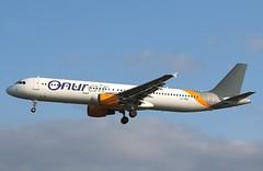 Onur Air   A321-200   LY-VEG   HAM   12.04.2019 (Norbert.Schmidt) Tags: lyveg hamburgairport a321200 a321 airbus onurair