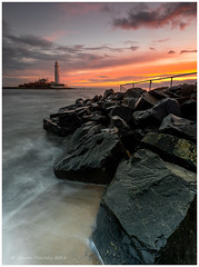 St Marys Lighthouse (Steven Peachey) Tags: canon sunrise lighthouse beach seascape northumberland