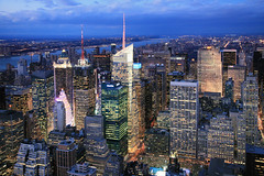 Midtown buildings (erichudson78) Tags: usa nyc newyorkcity manhattan paysageurbain urbanlandscape bluehour heurebleue building sky skyscraper ciel gratteciel canoneos5d canonef24105mmf4lisusm twilight crépuscule dusk