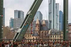(Marilely) Tags: frankfurt main big city town skyskraper wolkenkratzer sky spring streets strasen architektur architecture schlösser eisen stahl bunt bridge brücke locks steel