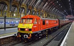 "DB Cargo class 90_90028_""Sir William McAlpine""_London Kings Cross_110119_01 (DS 90008) Tags: class90 dbcargo 90028 railway locomotive ukr sirwilliammcalpine ecml"