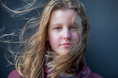 A stranger @ Binnenhof 2019 (zilverbat.) Tags: binnenhof portrait portret portretfotografie zilverbat project stranger girl image young student canon denhaag centrum face kou cold bokeh dof soul eyes
