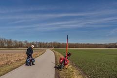 2019 BIke 180: Day 28, February 26 (suzanne~) Tags: 2019bike180 bike bicycle bavaria germany field snowpole