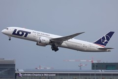 this fella couldn't get 'em up!!! (Jaws300) Tags: canon canon5d lo epwa waw dreamliner geartrouble takeoff departing departure europa europe eos eu poland polska warszawa warsaw b787 b789 boeing airlines polish polishairlines lot lotpolish lotpolishairlines b7879 splsa