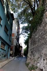 Street (mihrilkyaz) Tags: ramp narrow istanbul türkiye turkey şehir sokak city street architecture national traditional