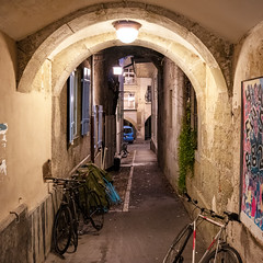Narrow Alley in the Old Town of Bern (Bephep2010) Tags: 2018 7markiii abend alpha altstadt bern fahrrad gasse herbst ilce7m3 sel1635z schweiz sony switzerland alley autumn bycicle evening fall narrow oldtown schmal ⍺7iii kantonbern ch