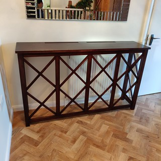 Consol table / Radiator cover