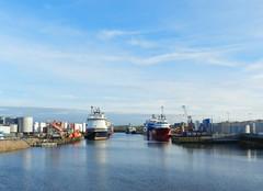 Aberdeen Harbour, Aberdeen, Jan 2019 (allanmaciver) Tags: aberdeen harbour north east scotland vessels offshore supply water weather blue sky clouds still calm allanmaciver