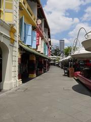 SingaporeRiverColonialDistrict054 (tjabeljan) Tags: singapore asia colonialdistrict singaporeriver colemanbridge oldparliament fullertonhotel themelrion raffles victoriatheatre clarkquay marinabay
