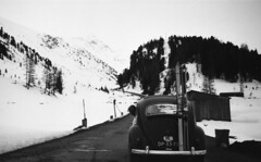 Taking the bug to Austria (Arne Kuilman) Tags: lostandfound zimmermans photos photonotmine scan v600 epson holiday found gevonden vw volkswagen trip austria snow sneeuw vakantie bug beetle