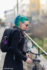 L'Intrusa (Atto 4) (Gian Floridia) Tags: martesana milanesi milano naviglio walkiria bici biker calmatevi ciclista fretta furia galateo intrusa intrusione invasione nevalelapena nevrosi posteggio rallentate riflessione riflettete streetphotography variopinta