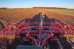 Mårten_Svensson_IMG_5283-Redigera (Bad-Duck) Tags: gröda harv johndeere jordbruk korn kväll lantbruk livsmedel livsmedelsproduktion mat omständigheter traktor väderstad vår maskiner åker årstid