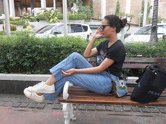 DSCN8891 (Avisheena) Tags: avisheena model outfit jeans white black sunglasses bun aesthetic hello world photograph