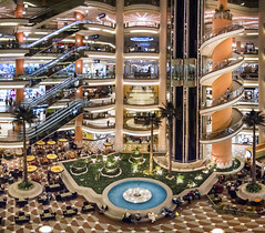 City Stars Mall, Cairo, Egypt (pas le matin) Tags: cairo lecaire egypt égypte travel world voyage afrique africa mall centrecommercial architecture fontaine fountain stairs escaliers canon 7d canon7d eos7d canoneos7d