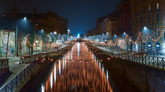 Foggy light umbrellas in Milan by night (Alberto Ialongo) Tags: milan italy night navigli naviglio foggy light umbrella