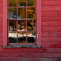 Shed Window Refraction (davetherrienphoto) Tags: glass shack red barn window peeling worn reflection afternoon newhampshire sun antique strawberrybanke portsmouth refraction