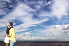 Love is in the air (meghimeg) Tags: 2019 genova amore love sanvalentino mare sea cielo sky nuvole clouds coppi couple bacio kiss