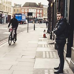 rent a bike (99streetstylez) Tags: people streetphotography strassenfotografie streetphoto street 99streetstylez london scene