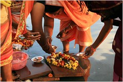 India Travel Photography: Aarti Ceremony, Nada Sadhus & burning Ghats at Varanasi 2019 Benares.054 by Hans Hendriksen (Travel Photography - Reisfotografie) Tags: india travel photography uttar pradesh north noord crowd reisfotografie reisfoto varanasi cremation ghat ghats benares banāras kashi kasi 2019 bad baden bath snan bathing people planet naked naakt naga sadhu saddhu baba nackt hindu hindus hindoe hindoes ganga gangus ganges river rivier march holy heilig sacred ceremony ceremonie religion religie nude dahues babas pelgrims pilgrimage pilgrims bedevaart menigte hindúes sagrado río aarti fire vuurceremonie burning manikarni manikarnika dead reincarnation reincarnatie afterlife