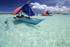 Floating Snack Bars (engrjpleo) Tags: virginisland sandbar pungtudisland panglao island bohol centralvisayas seascape sea water waterscape seaside coast cloud boat outdoor philippines