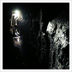 In das ew'ge Dunkel nieder... (Norbert Kaiser) Tags: sachsen saxony erzgebirge oremountains krušnéhory bergbau bergwerk stolln entwässerungsstollen zinnbergbau untertage unterirdisch underground mining mine tinmine lostplaces urbanexploring abandoned decay verfall verlassen zeche grube