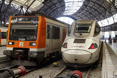 Roalies i llarga distància (Escursso) Tags: 130 29 adif alicante barcelona bombardier euromed frança renfe sattion talgo estacio rail railway s130 train tren