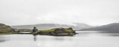 Un château abandonné (JardinsLeeds) Tags: castle ardvreckcastle scotland scottishlandscape paysageécosse écosse paysage landscape loch nikond800e
