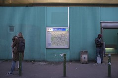 . (Le Cercle Rouge) Tags: malakoff france streets darkness light nuit night humans