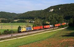 182 518 bei Dollnstein (Dennis Kraus) Tags: 182 518 dispolok dollnstein altmühltal boxxpress containerzug güterzug