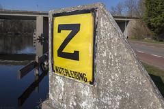 Zinkerbord (Tim Boric) Tags: z zinker zinkerbord waterleiding gemeentewaterleidingen amsterdam ringvaart sign emaille enamel