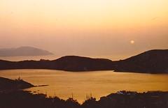 Ios / Cyclades / Grèce / Août 1983 (leonmul68) Tags: ios grèce greece 1983 août1983 merégée aegean cyclades