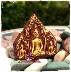ขุนแผนพรายกุมาร ผงผีผสมโขลง (Ruruecha Amulet) Tags: ขุนแผน พรายกุมาร ผงผี เรียกคนรัก มหานิยม มหาเสน่ห์ เรียกทรัพย์ เมตตา ธุรกิจ เจรจา โชคลาภ เงินทอง เครื่องราง amulet charms