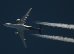 OO-SFZ (zhirenchen) Tags: jet plane airplane spotting aircraft airline airliner flight flightradar24 fr24 nikon coolpix p1000 megazoom telephoto telescope 3000mm cruise high altitude contrail stream cloud trail vapor tail track steam chemtrail rnav inflight airbus a330 a332 a330200 330200 330 332