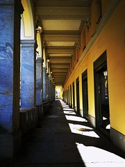 Portici III (VauGio) Tags: torino turin portici huawei leica leicalens p10 walking street camminando strada lacittàmetropolitanaditorinovistadavoi